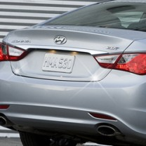 [AUTO CLOVER] Hyundai YF Sonata - Trunk Chrome Molding (C751)